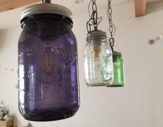メイソンジャーライトDIY♪簡単に手作りできるリメイク方法、作り方をご紹介。好きな色の瓶でキッチンなどのインテリアのアクセントに♪