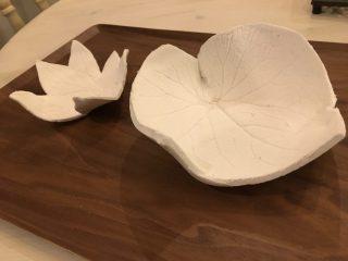 粘土で子供と工作♪簡単可愛い葉っぱやレースを使ってお皿や小物入れの作り方。夏休みの工作にも♪